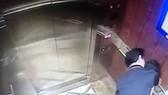 Hình cắt từ clip vụ việc