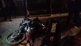 Xe 7 chỗ đâm hàng loạt xe máy