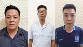 Các đối tượng từ trái qua Hạ, Phong, Tuấn.
