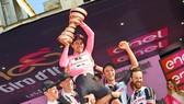 Tom Dumoulin - nhà ĐKVĐ của Giro d'Italia