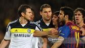 Có một thực tế, là Lampard (ngoài cùng bên trái) và Fabregas (áo số 4) chưa bao giờ ưa nhau