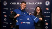 Ross Barkley trở thành tân binh đầu tiên của Chelsea trong kỳ chuyển nhượng mùa Đông
