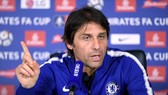 Conte muốn Chelsea cố gắng thắng Leicester