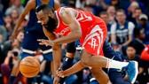 NBA 2017-2018: Ghi 50 điểm trong hiệp 3, Houston dẫn Minnesota 3-1