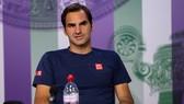 Roger Federer trong buổi họp báo sau trận đấu