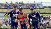 Marquez (giữa) và Rossi (trái) cùng với Vinales - 3 tay đua giành chiến thắng trên đất Đức