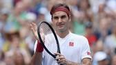 Federer loại Kyrgios sau một tuyệt chiêu không tưởng