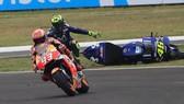 Trong khi Marquez tiến thẳng về ngôi vô địch, Dovizioso lại đo đường