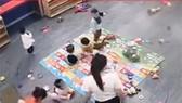 CLIP: Giáo viên trường mầm non ở TP Vinh đánh trẻ gây bức xúc