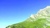 瑞士阿爾卑斯山脈上的一家酒店,無牆無頂。