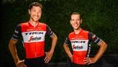 Richie Porte (phải) trong màu áo mới của Trek-Segafredo