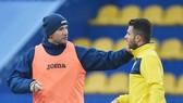 Shevchenko và Moraes trong buổi tập mới nhất của tuyển Ucraina