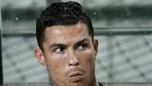 Ronaldo ngồi dính trên băng ghế dự bị trong suốt trận đấu với Các ngôi sao K-League