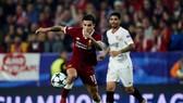 Tiền vệ Coụtinho (Liverpool) tỏa sáng trước Sevilla. Ảnh: Getty Images.