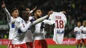 Nabil Fekir cởi áo ăn mừng. Ảnh: Getty Images.