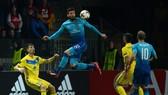 Olivier Giroud (giữa, Arsenal) trong trận gặp BATE Borisov. Ảnh: Getty Images.