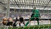 Trận derby thành Milan trên sân San Sịro. Ảnh: Getty Images.