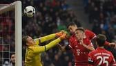 Các mũi nhọn Bayern vây hãm khung thành Bernd Leno (Leverkusen). Ảnh: Getty Images.