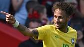 Neymar vui mừng sau khi ghi bàn thắng thứ 54 cho Selecao.