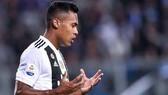 Alex Sandro trong màu áo Juventus.