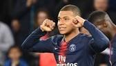 """Ở PSG, Neymar """"rớt giá"""" trước Mbappe"""
