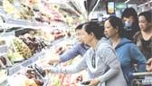 消費者在Co.opMart超市購物。資料圖:互聯網