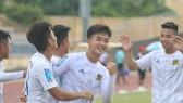 Danh Trung tỏa sáng trong chiến thắng 5-0 của Huế trước An Giang. Ảnh: HỮU THÀNH