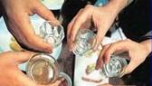 Uống rượu, ăn nấm lạ, 4 người bị ngộ độc cấp cứu