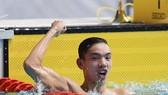 Kình ngư Nguyễn Huy Hoàng giành chiến thắng ở chung kết cự ly 800m tự do nam.