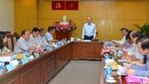 Bí thư Thành ủy TPHCM Nguyễn Thiện Nhân phát biểu trong buổi làm việc với quận 12. Ảnh: VIỆT DŨNG