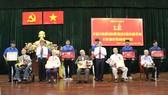 Quận 7 trao huy hiệu Đảng cho 132 đồng chí