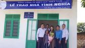 Trao nhà tình nghĩa cho gia đình ông Cơ Liêng K'SRang, thông 1, xã Đạ Long, huyện Đam Rông