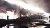 Xưởng gỗ dăm, viên nén sinh học bốc cháy từ sáng đến chiều