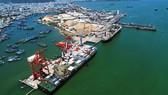 Cận cảnh tấn hàng thứ 8 triệu thông cảng Quy Nhơn