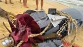 Vật thể lạ mắc lưới ngư dân Phú Yên