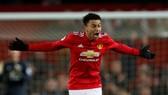 Man United - Burnley 2-2: Lukaku lại sai lầm, Lingard kịp cứu thua Quỷ đỏ