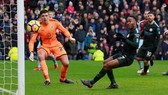 Burnley - Man City 1-1: Sterling chân gỗ, Man xanh vuột chiến thắng