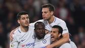 Burnley - Chelsea 1-2: The Blues ăn may