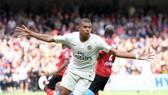 Guingamp - PSG 1-3: Neymar gỡ hòa, Kylian Mbappé ghi cú đúp