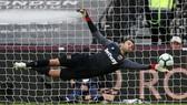 West Ham - Chelsea 0-0: Thủ môn Fabianski xuất thần buộc The Blues chia điểm