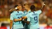Bỉ - Hà Lan 1-1: Mertens mở tỷ số, Groeneveld gỡ hòa