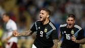 Argentina - Mexico 2-0: Icardi sớm ghi bàn, Dybala ấn định chiến thắng