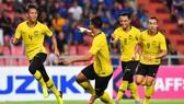 Thái Lan - Malaysia 2-2: Safari, Talaha làm người hùng, Adisak hóa tội đồ