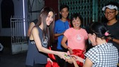 ARS tặng người dân TPHCM hơn 700 phần quà Giáng sinh