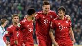 M'Gladbach - Bayern Munich 1-5: Martinez, Mueller, Lewandowski, Gnabry đè bẹp chủ nhà