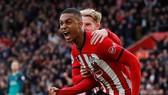 Southampton - Tottenham 2-1: Harry Kane mở tỷ số, Valery, Ward-Prowse ngược dòng hạ đối thủ
