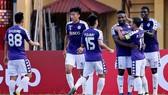 Hà Nội - Tampines Rovers 2-0: Oseni, Thành Chung tỏa sáng, Hà Nội đứng đầu bảng F giành vé đi tiếp