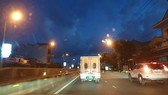 Ô tô đưa nghi phạm cướp quỹ tín dụng nhân dân xã Thanh Thủy về Đồng Hới