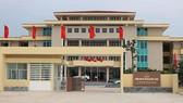 UBND huyện Quảng Trạch vừa có quyết định kiểm điểm 5 cựu hiệu trưởng, thải hồi các giáo viên khai man hồ sơ để lọt vào đặc cách giáo viên.