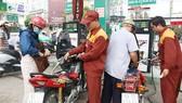 Giá xăng được giữ ổn định